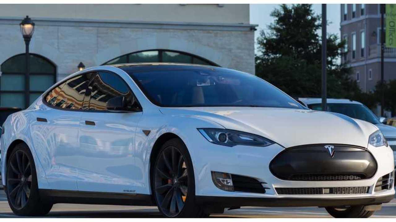 Tesla Model S - Chrome Delete