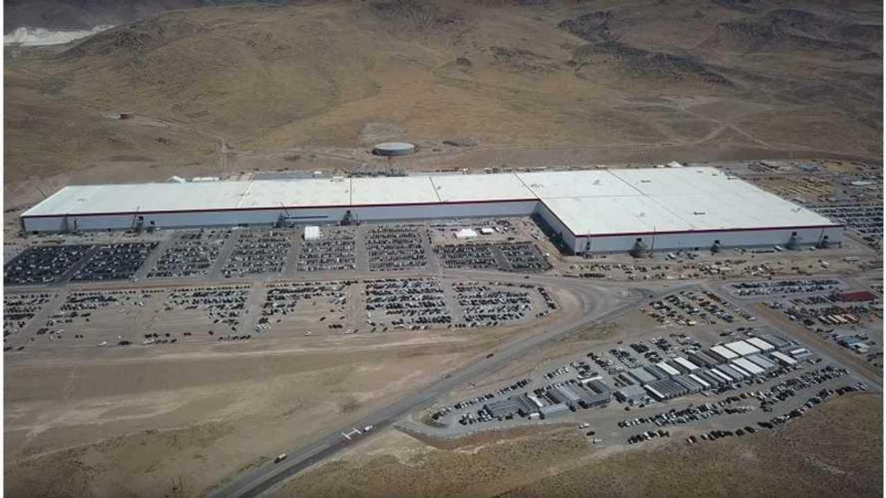 Tesla Gigafactory Construction Update - August 17, 2017 by California Phantom