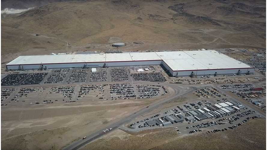 Tesla Gigafactory Flyover Video - August 17, 2017