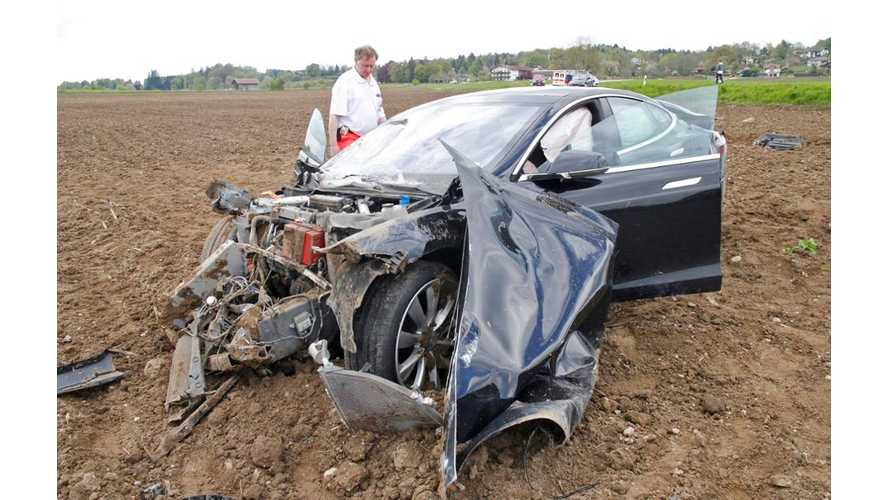 All 5 Occupants Survive Horrific Tesla Model S Crash