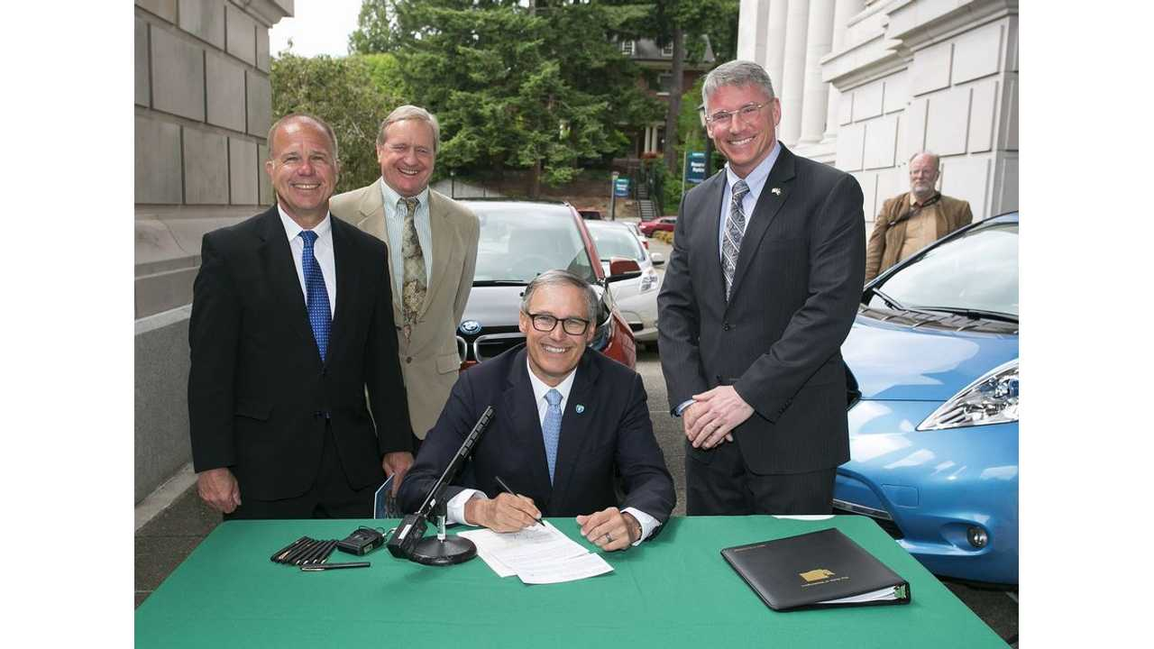 Washington Governor Signs Bill That Offers Financial Incentives To Utilities To Install Charging Stations