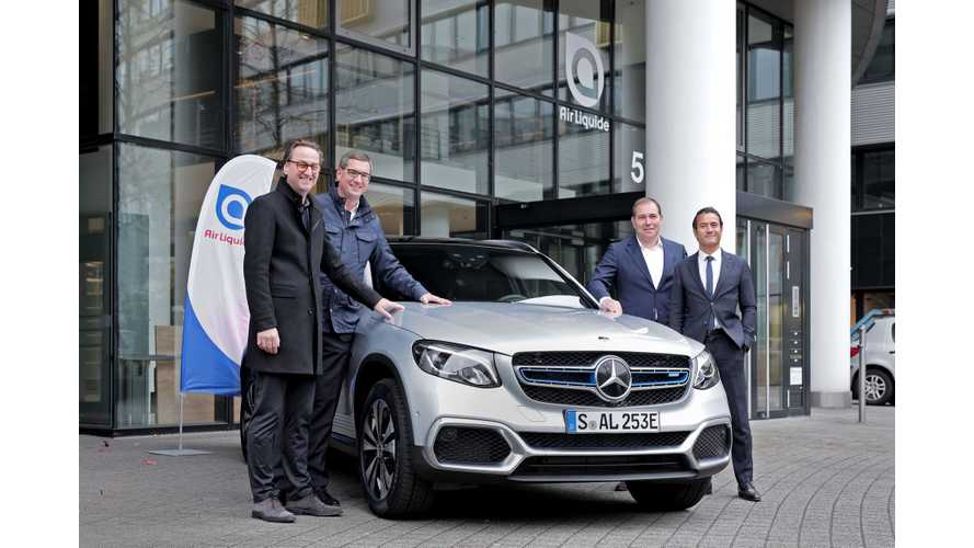 Mercedes-Benz Delivers First GLC F-Cell Plug-In Hybrid