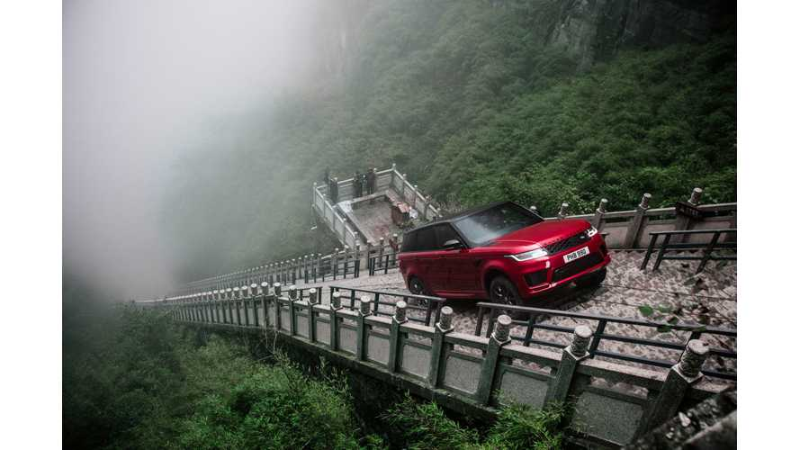 Range Rover Sport PHEV Climbs Almost 1,000 Stairs At 45 Degrees