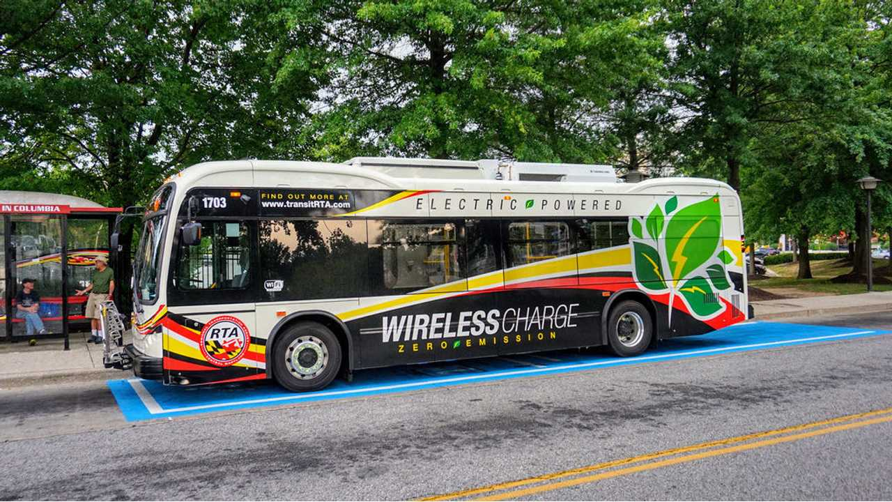 Martha's Vineyard Buses Get Wirelessly Charged Up With 200-kW System