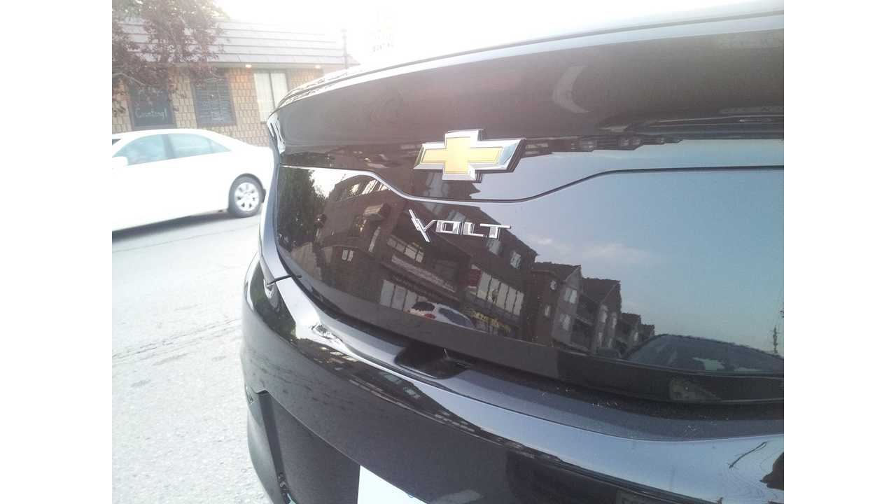 2016 Chevrolet Volt On The Road In Canada - Photos