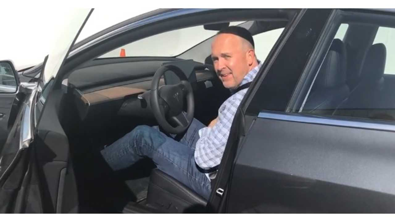 Tesla Engineering VP Takes Time Off To Recharge