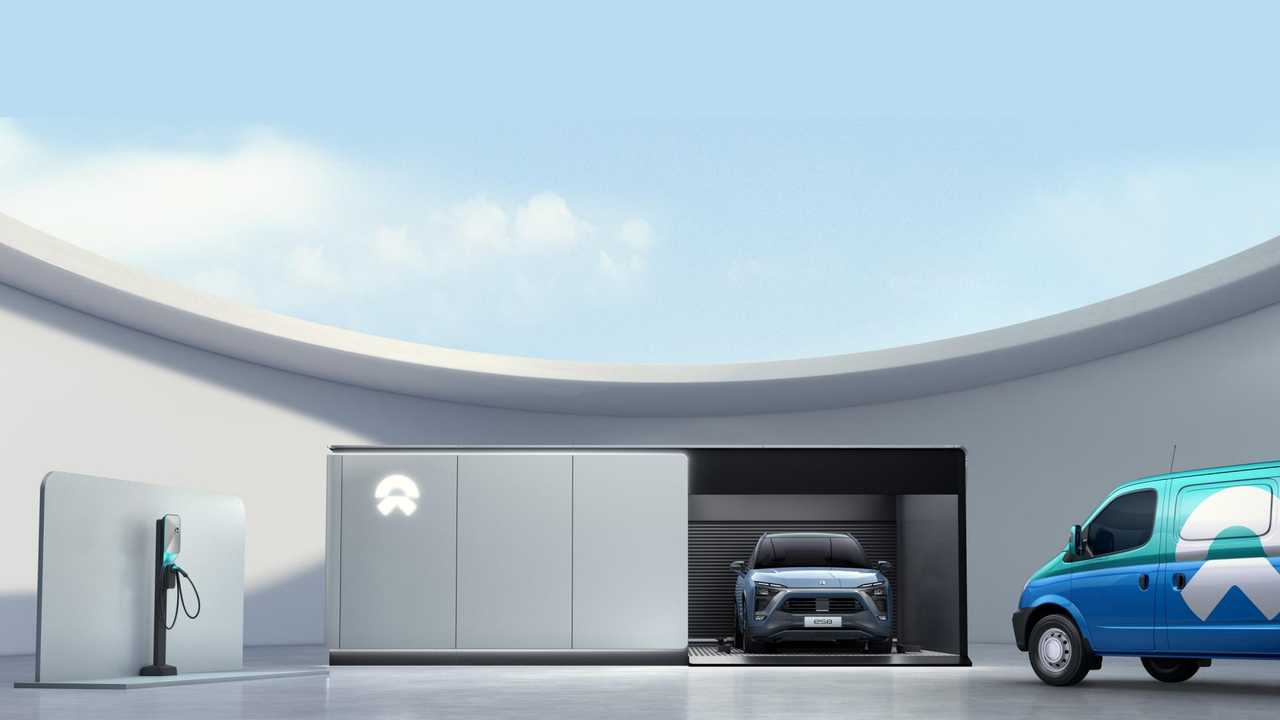 NIO ES8 - charging, battery swap of mobile charging vans