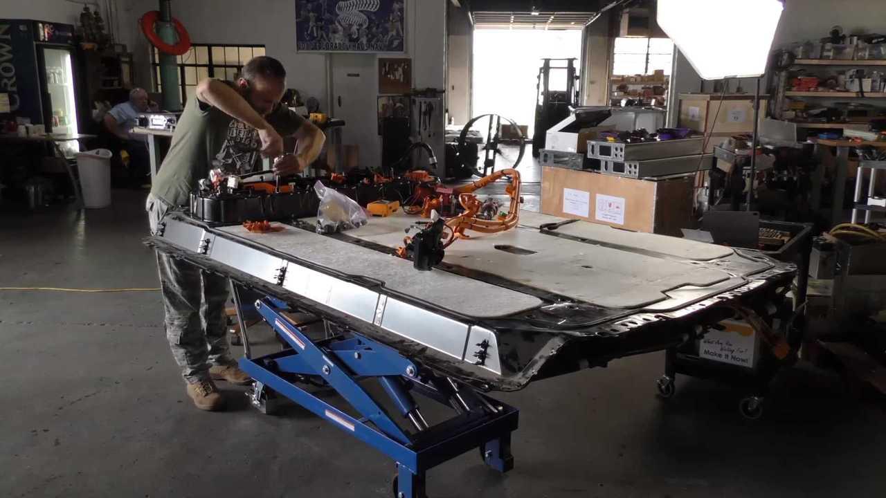 What Makes The Tesla Model 3 Battery Pack So Light?