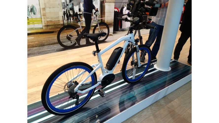 BMW Cruise e-Bike Shows Up in Frankfurt