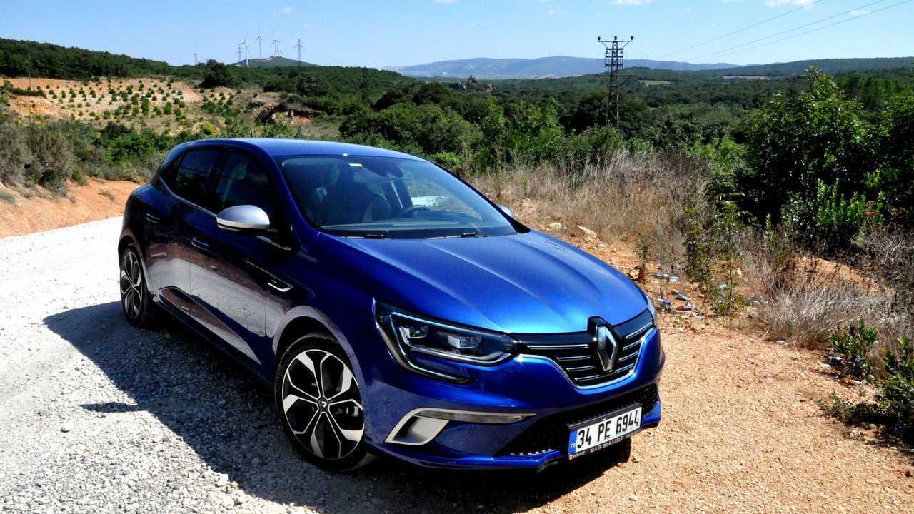 7. Renault Megane Hatchback (384 Litre)