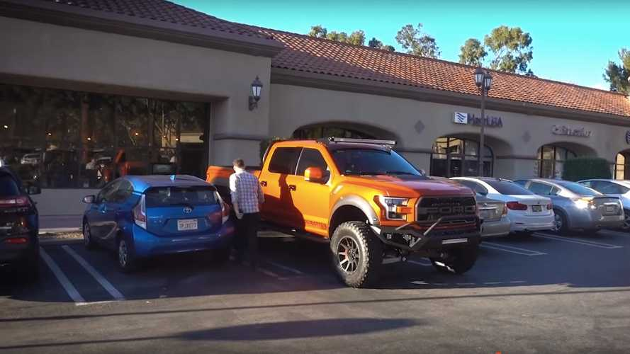 Hennessey VelociRaptor 6x6 Video