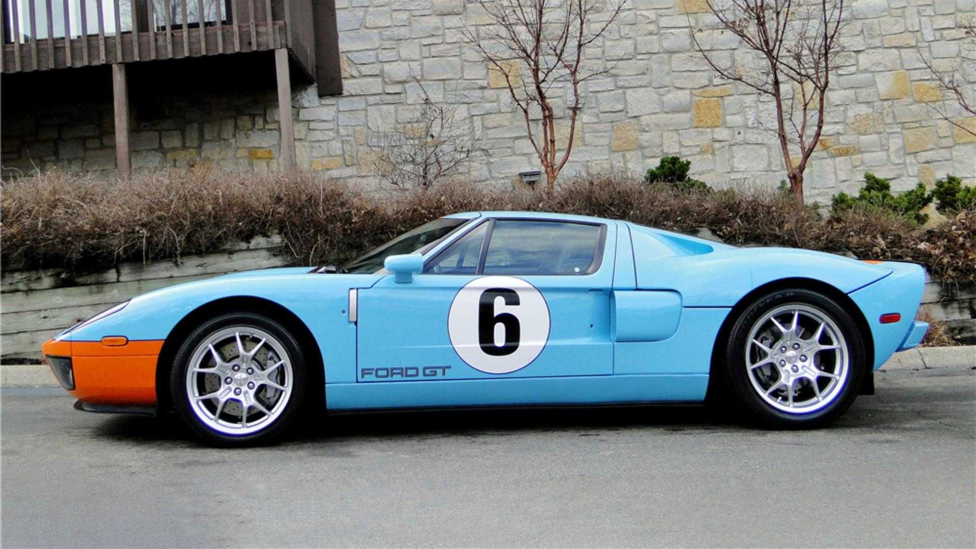 """[""""Rare 2006 Ford GT Heritage Edition Heads to Auction""""]"""