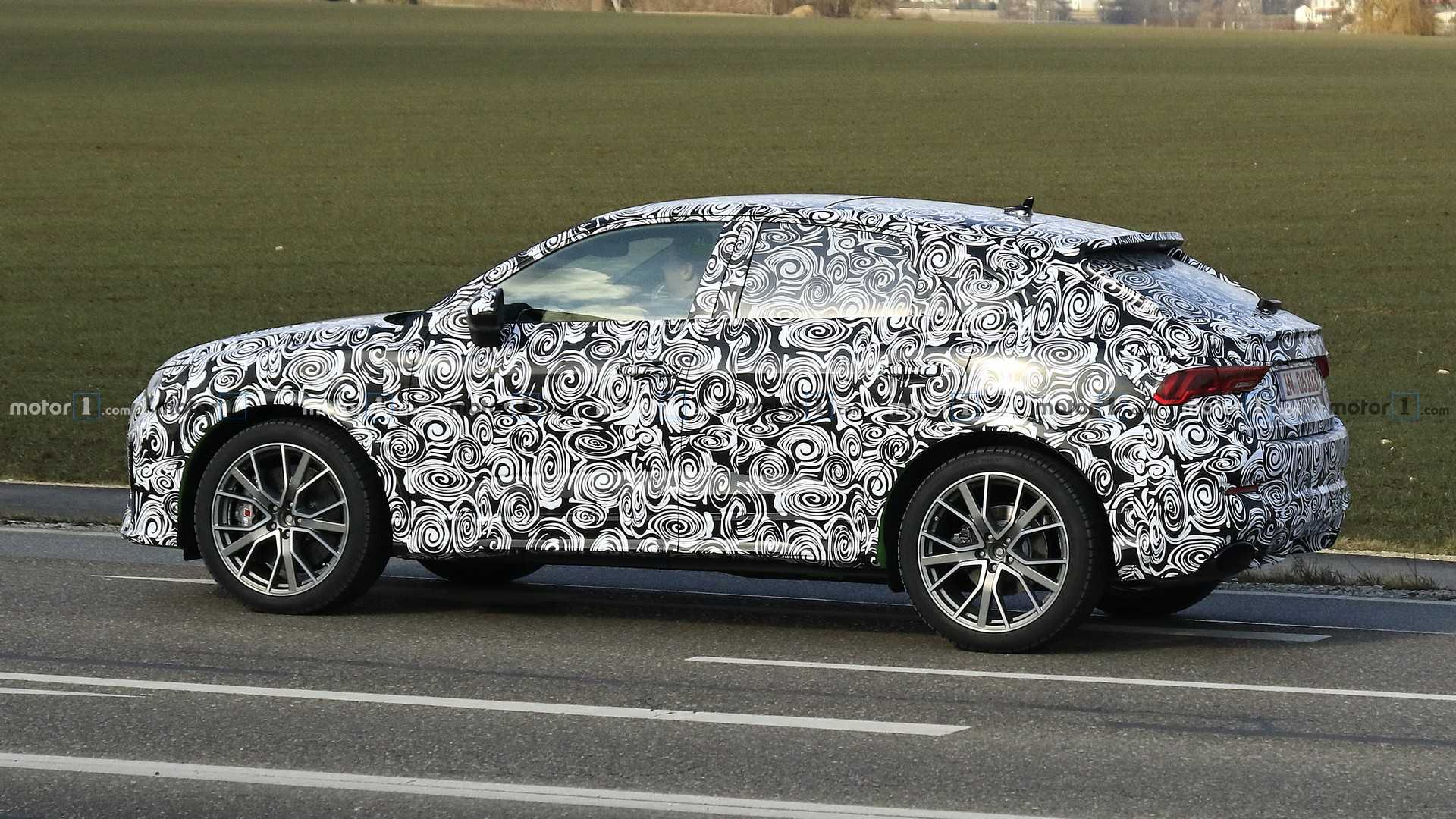 audi-rs-q4​-spy-photo