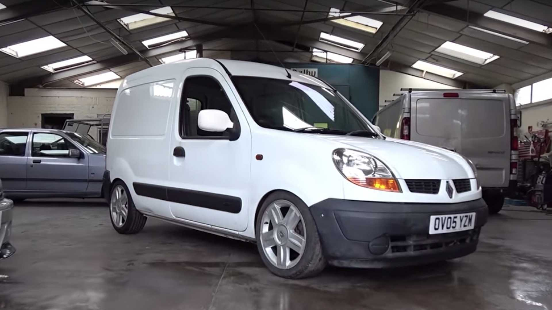 51ecf1205db1 Renault Kangoo With Megane RS Engine Is The Mother Of Sleepers