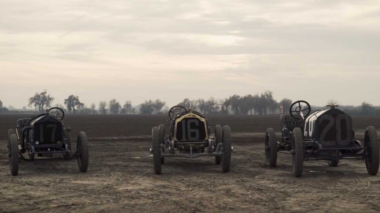 Racing Back in Time With Pre-War Cars