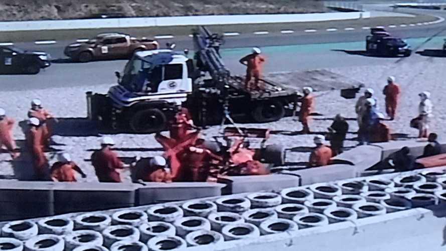 Paura Ferrari: Vettel esce di pista e sbatte per un cedimento