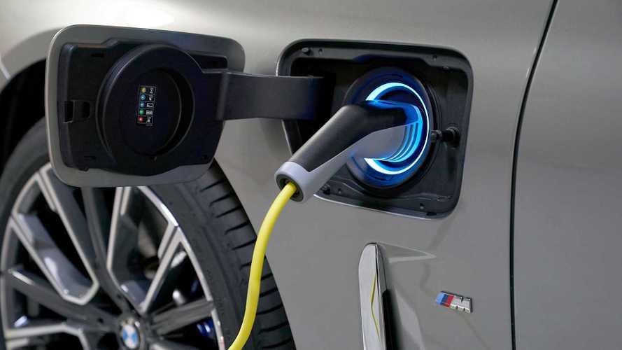 BMW lança plataforma com aplicativo para postos de recarga