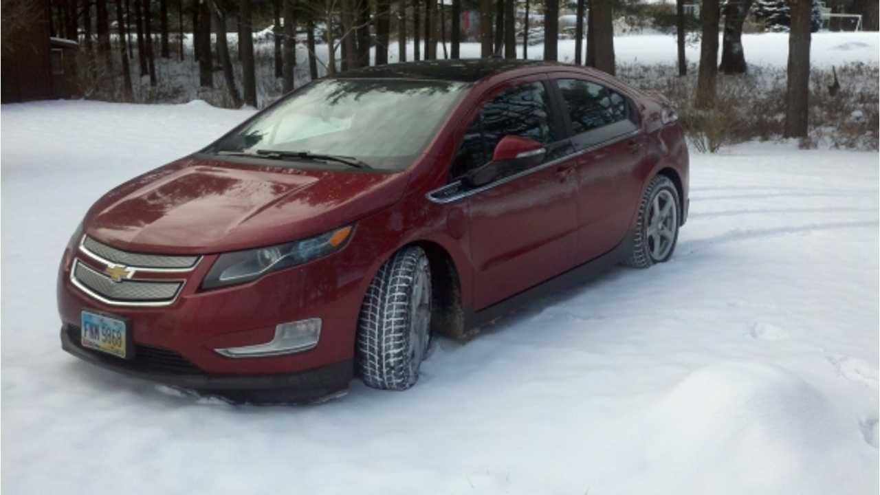 Canada Plug In Electric Vehicle Sales December 2013 - Chevy Volt #1 For Month and For All of 2013