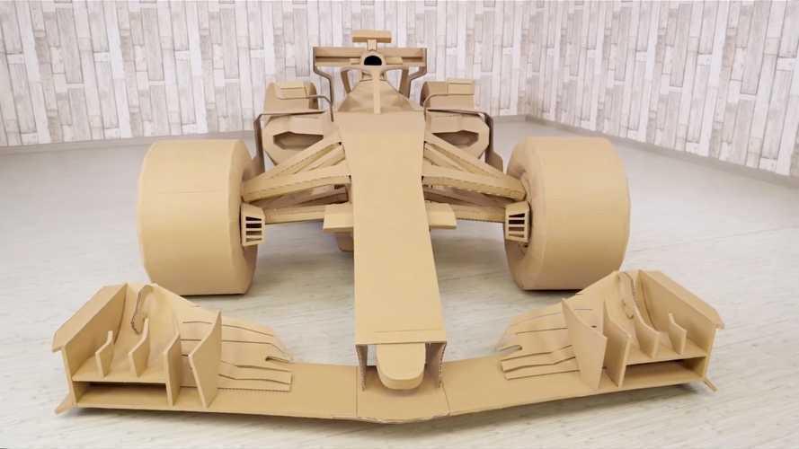 Así se construye un monoplaza de F1... de cartón