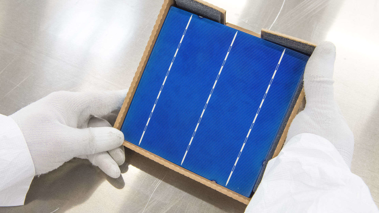 Strada del pannello solare di Colas
