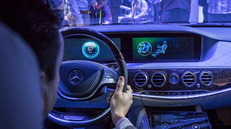 """CES: Mercedes apresenta bancos """"fitness"""" que mantêm você em forma"""
