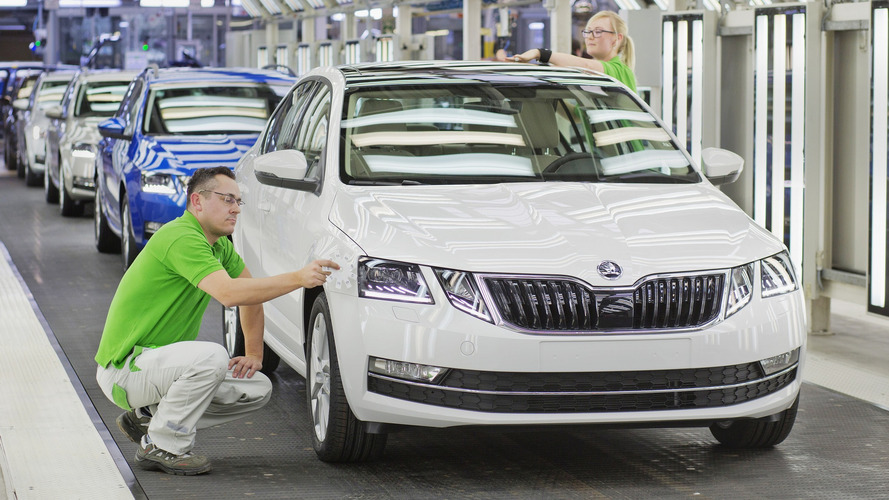 2017 Skoda Octavia facelift production gets rolling