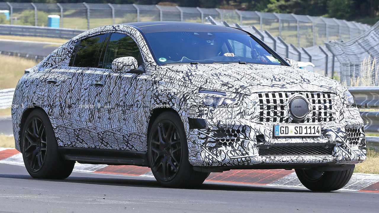 mercedes amg gle 63 coupe spied ripping off its camo on. Black Bedroom Furniture Sets. Home Design Ideas