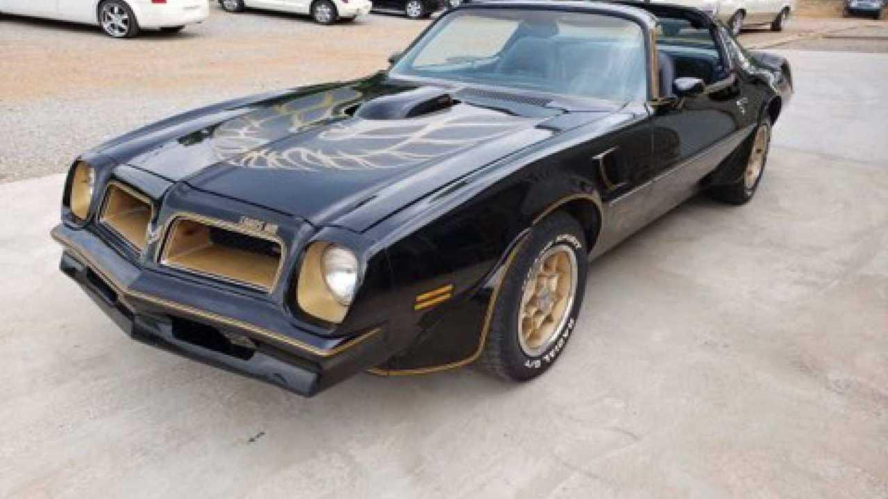 Rare 1976 Pontiac Trans Am Y82 Special Edition For Auction