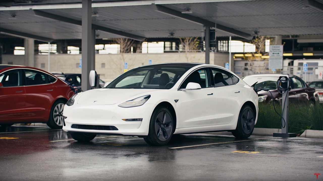 """Consumer Reports On Tesla: """"They Are Absolutely The Leader"""""""