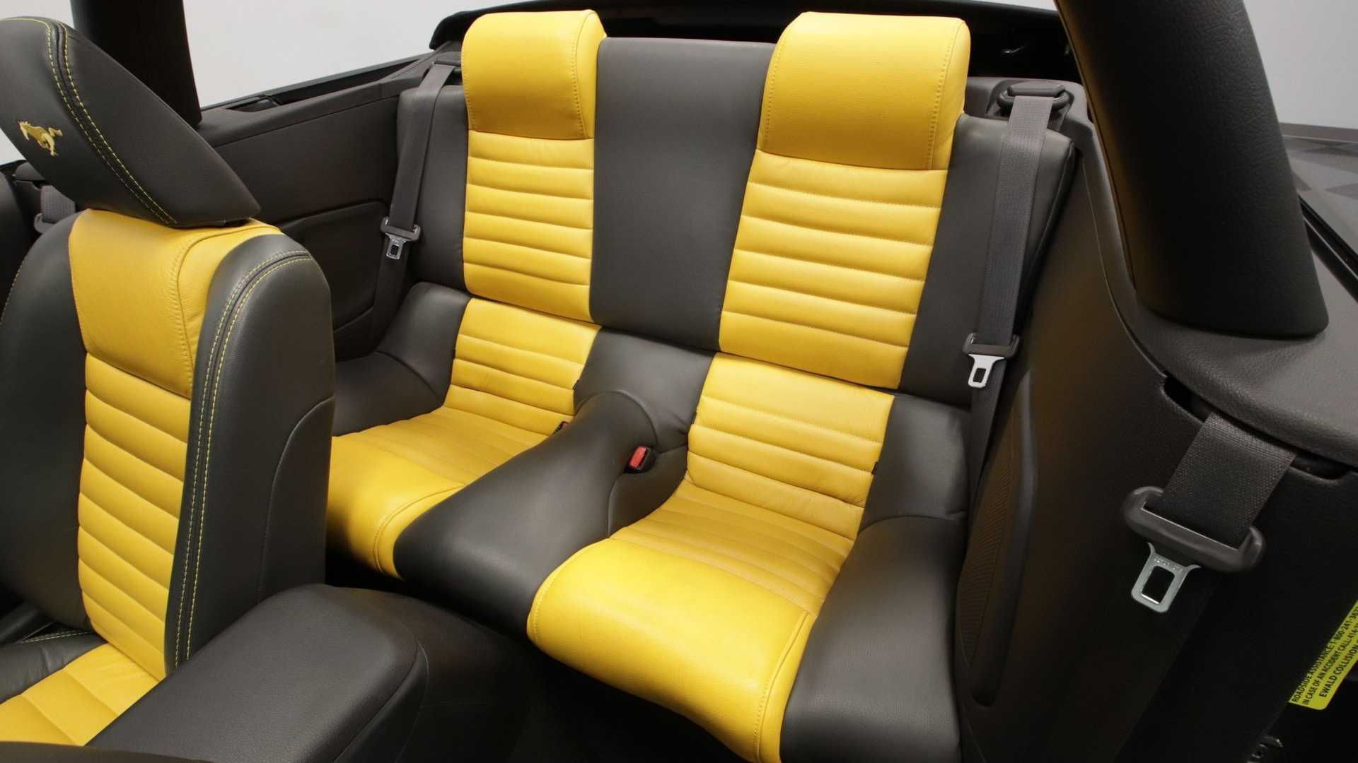 Admirable Steal The Show In This 2007 Ford Mustang Gt Convertible Beatyapartments Chair Design Images Beatyapartmentscom