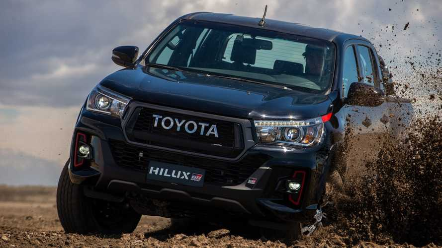 Toyota produzirá veículo eletrificado com base da Hilux na Argentina