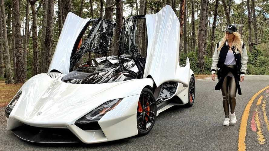 Supercar Blondie Experiences SSC Tuatara's Brutal Acceleration