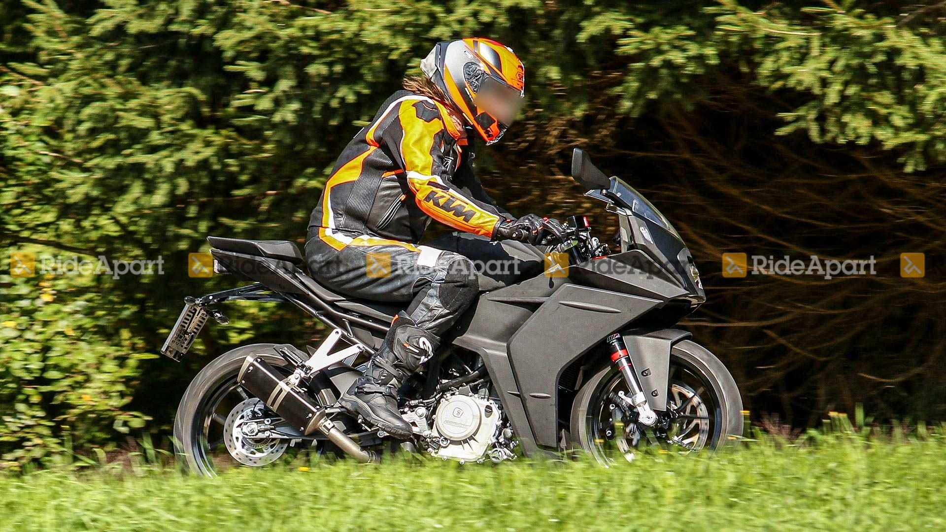 2021 KTM RC 390 Spy Shots