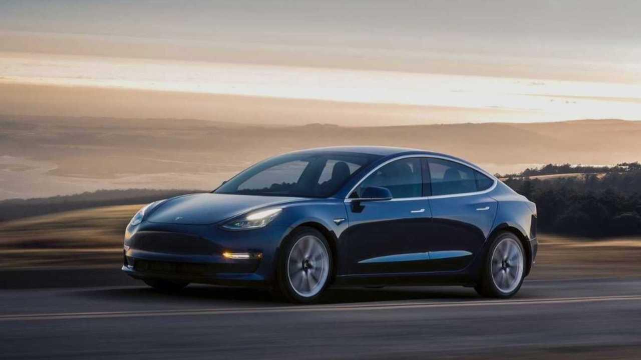 3. Tesla Model 3 de autonomía estándar