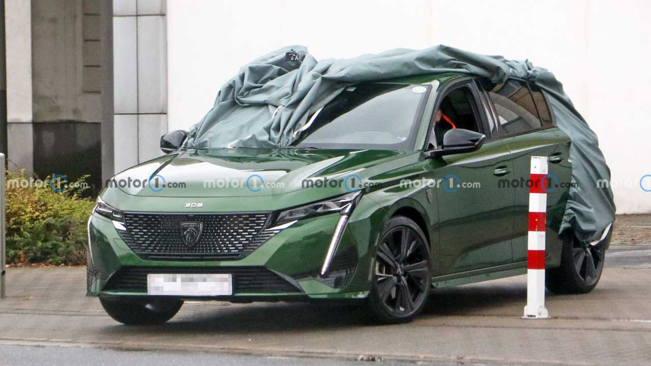 2022 Peugeot 308 spied with naked front end