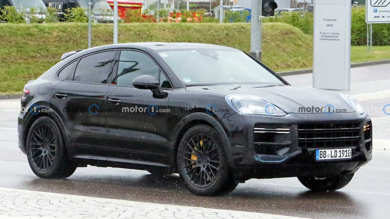 Porsche Cayenne Coupe refresh spy shots.