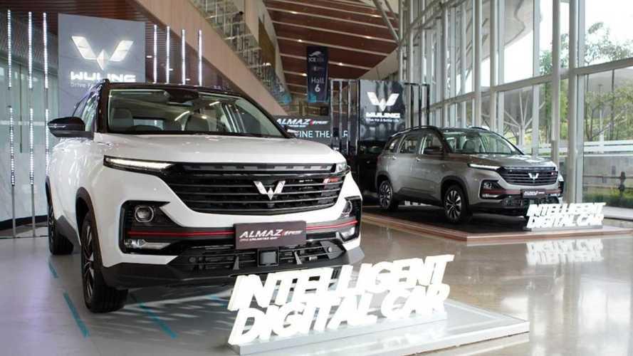 SUV Flagship Wuling Almaz RS Kini Dijual dengan Harga Baru