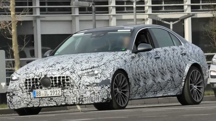 Mercedes C-Class prototype flaunts wide wheel arches, AMG C63?