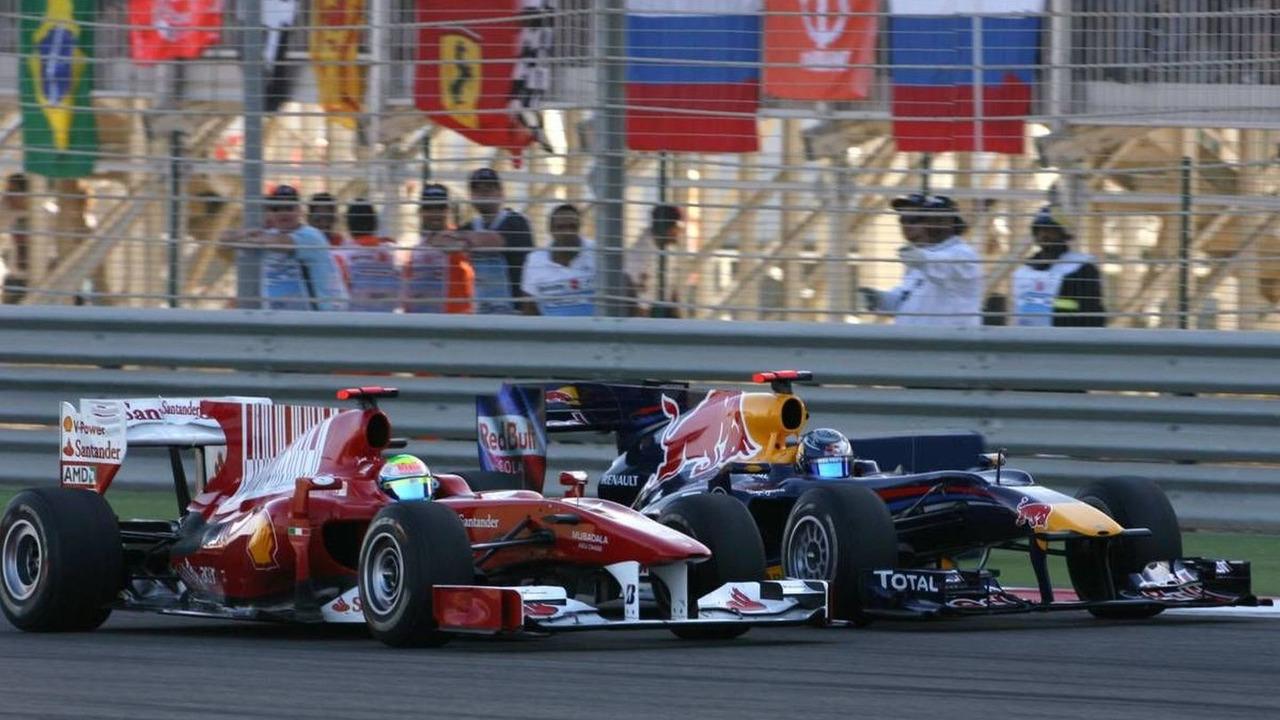Felipe Massa (BRA) overtakes Sebastian Vettel (GER), Bahrain Grand Prix, 14.03.2010 Sakhir, Bahrain