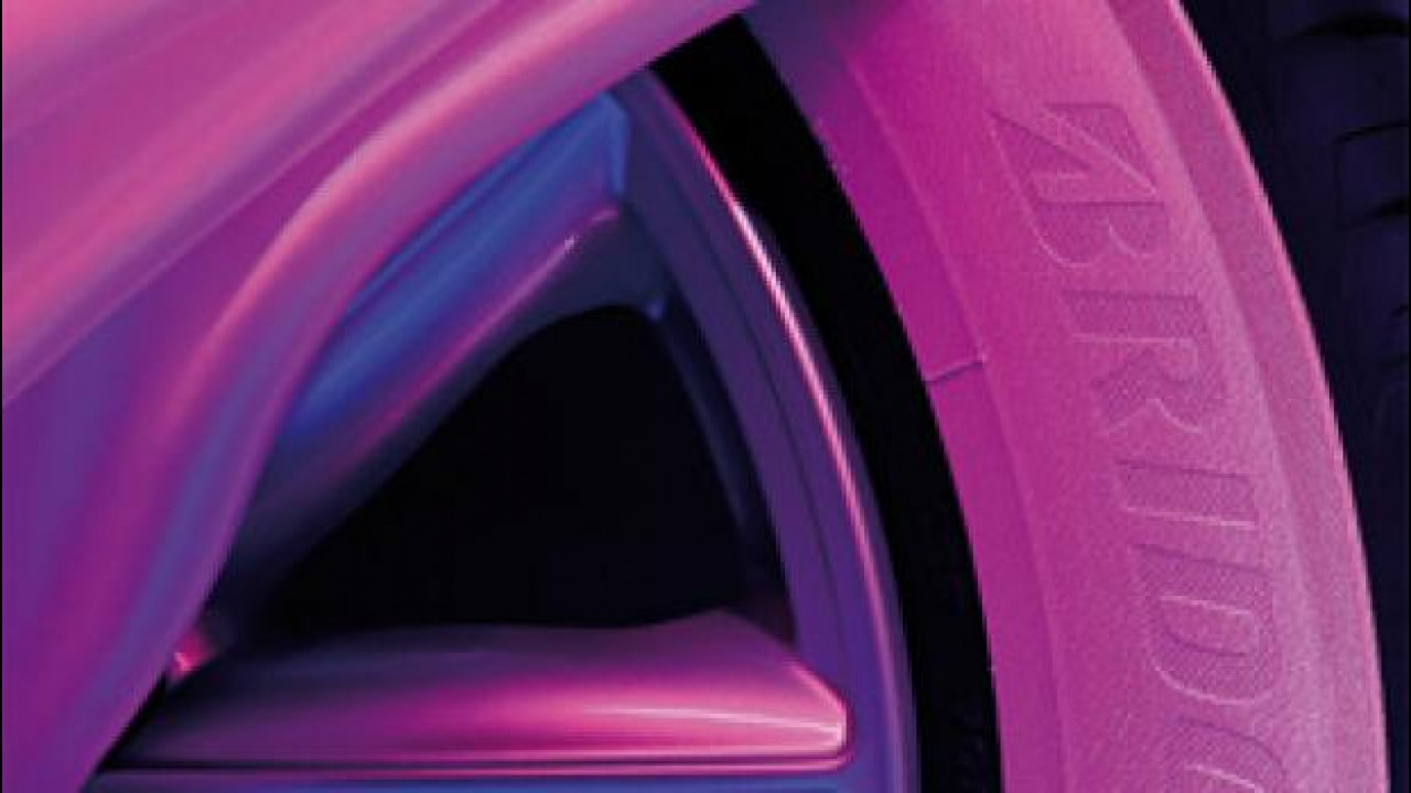 [Copertina] - Bridgestone, due pneumatici rosa contro il tumore al seno