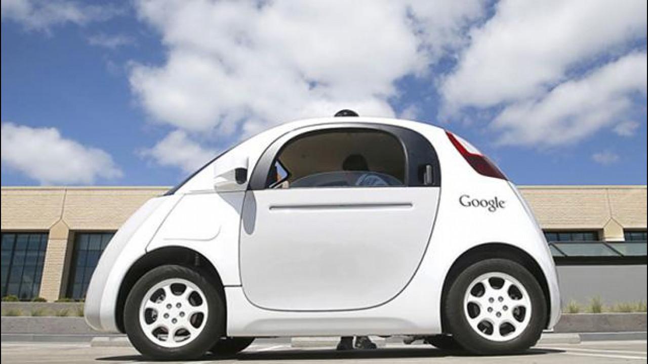 [Copertina] - Guida autonoma, Google critica la legge proposta in California