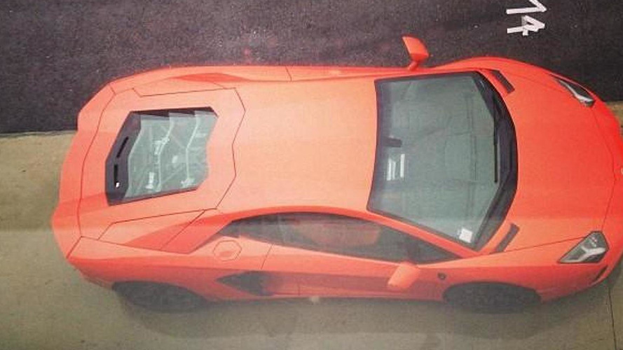 Italian racing driver crashes Aventador, driver and passenger are in critical condition