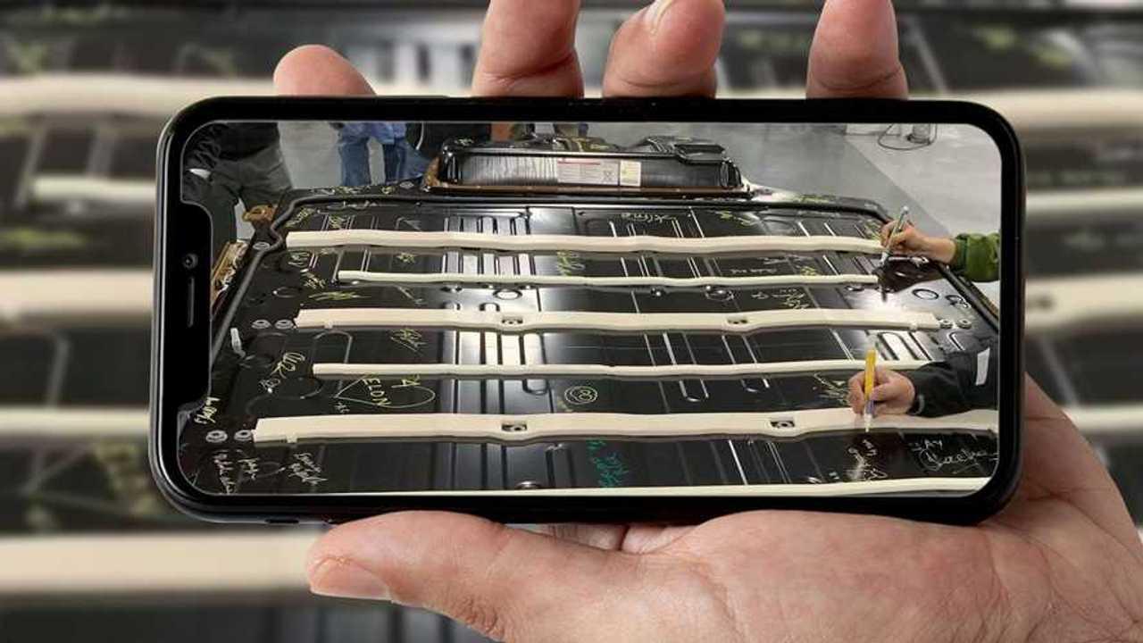 La nuova batteria Tesla firmata dai dipendenti