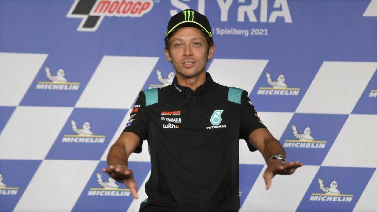 Valentino Rossi announces retirement