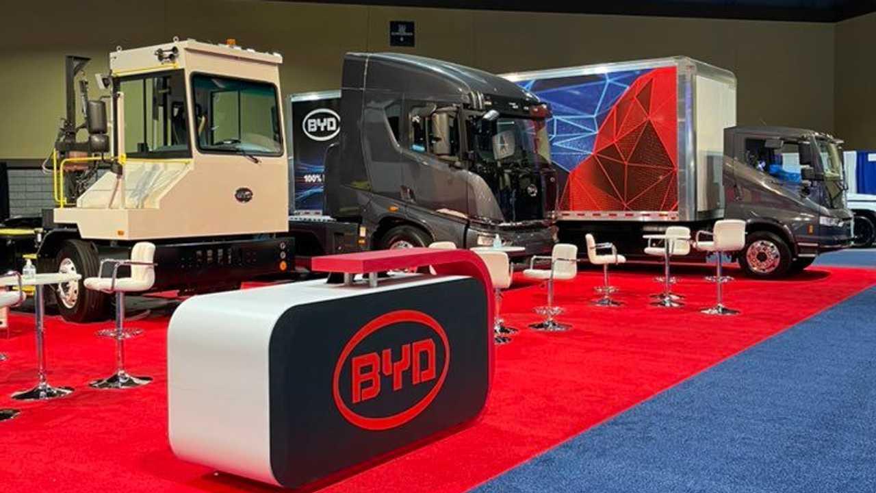 Caminhões elétricos BYD na 2021 ACT Expo