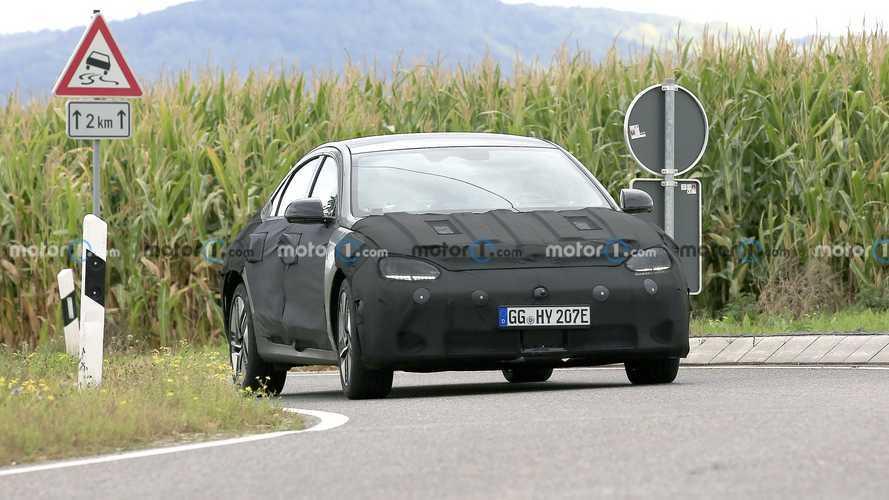 A 2023-as Hyundai Ioniq 6-ot leplezték le kémfotókkal az utcán