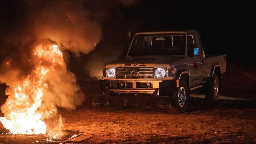 Toyota Land Cruiser для расчистки баррикад