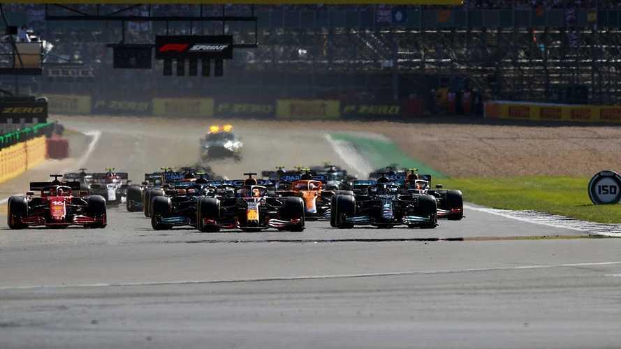 Carrera sprint en Silverstone: ganó Verstappen, brilló Alonso