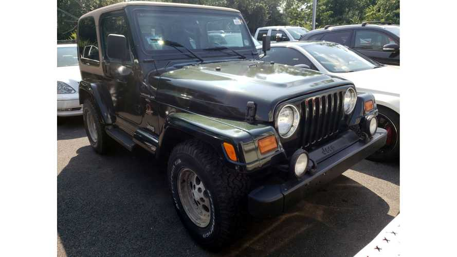 Dealers Duke It Out Over Rusty 24-Year-Old Jeep At Auction
