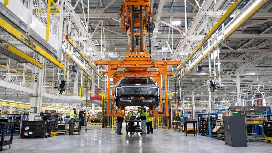Ford: mega-investimento da 10 mld di euro per 3 Gigafactory Usa